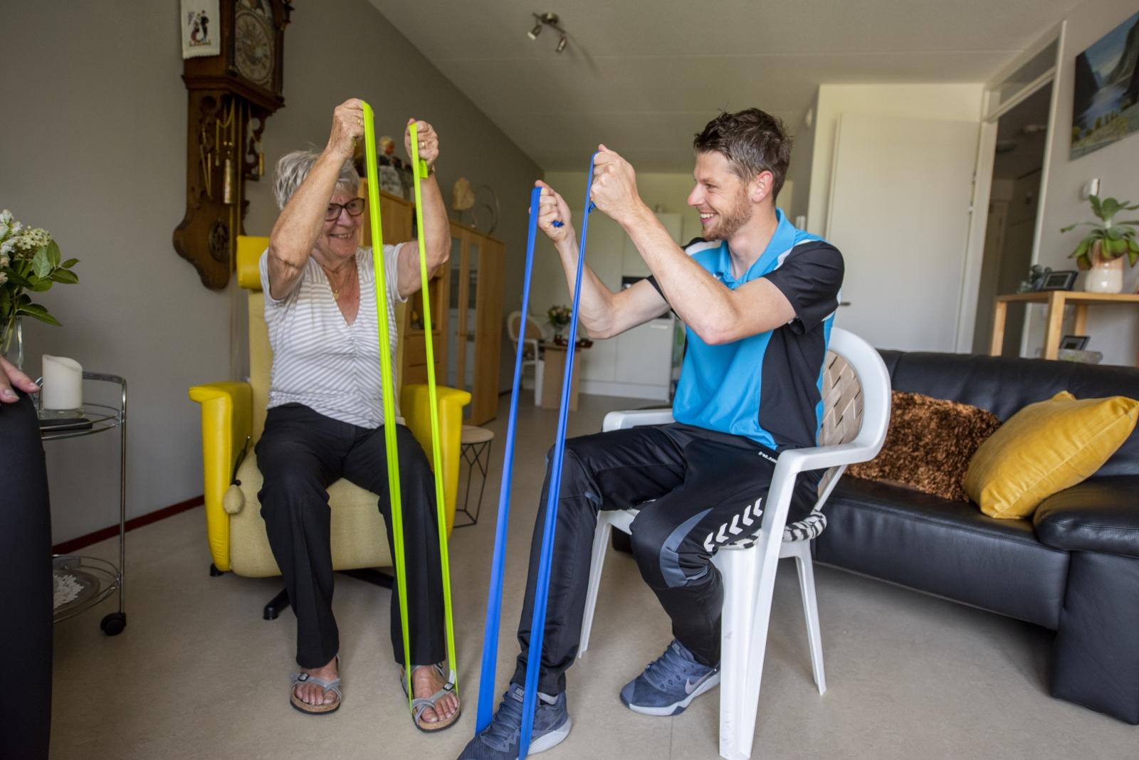 Spieroefening met ouderen