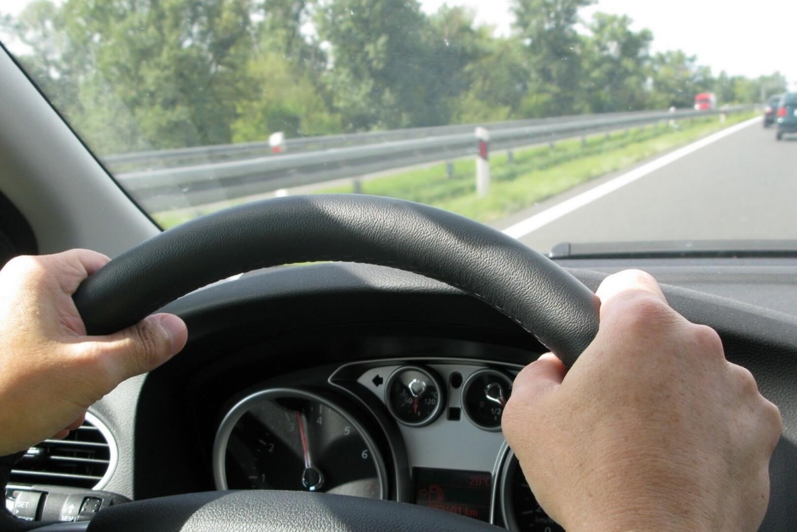 rijden in een auto